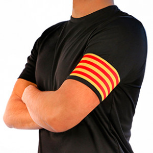 Brazalete de capitán de la Senyera Arquer - Amarillo/Rojo - frontal modelo