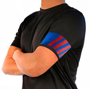 Brazalete de capitán azulgrana Arquer - Azul / Rojo - frontal modelo