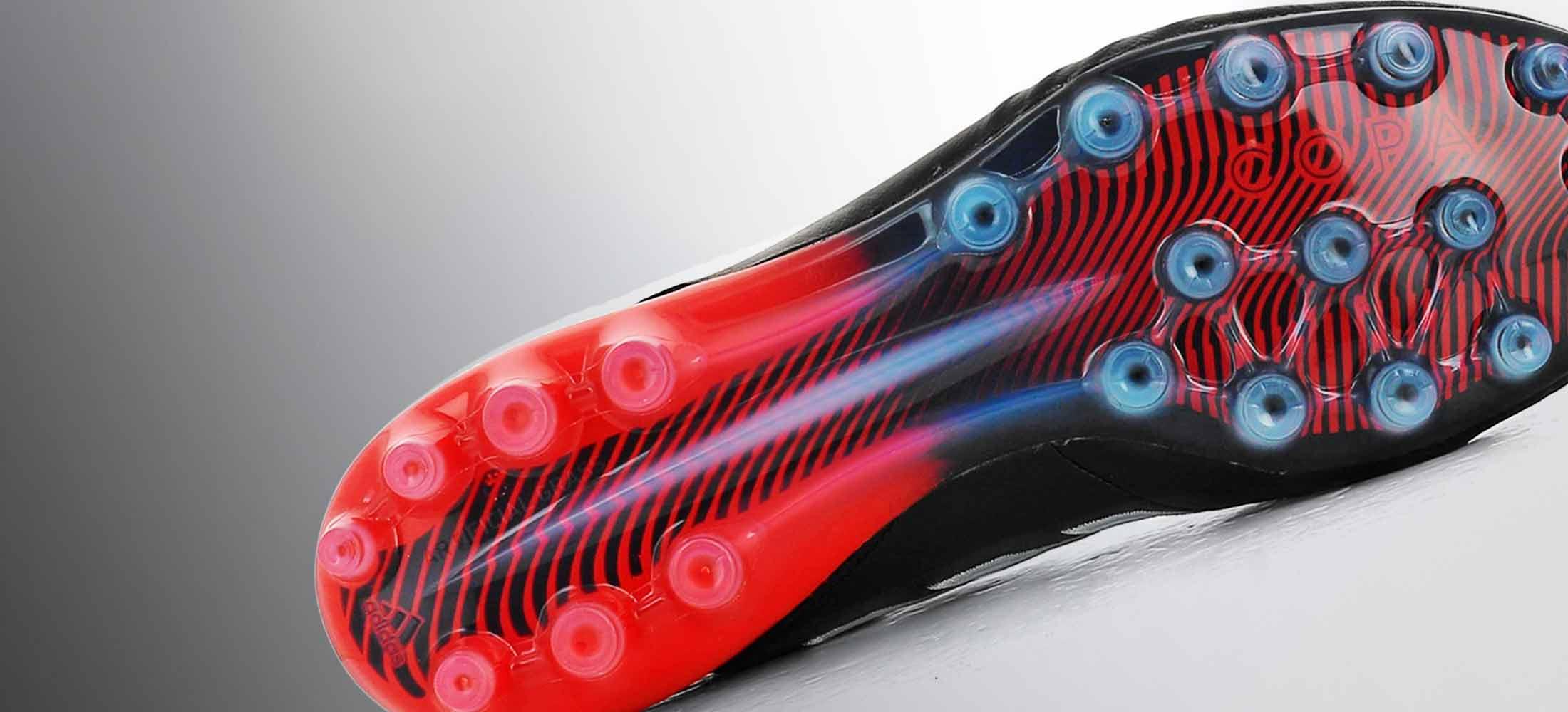 Botas de fútbol adidas con suela AG