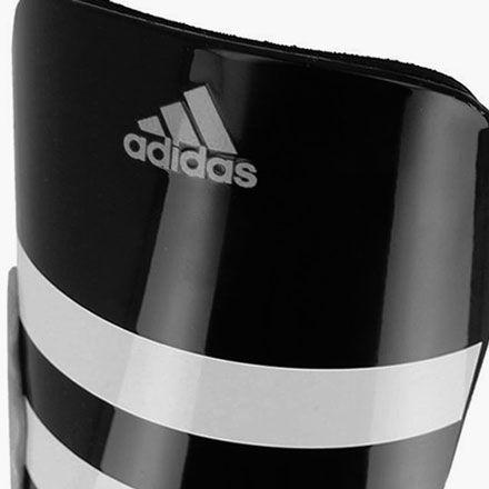 Espinilleras de fútbol marca adidas